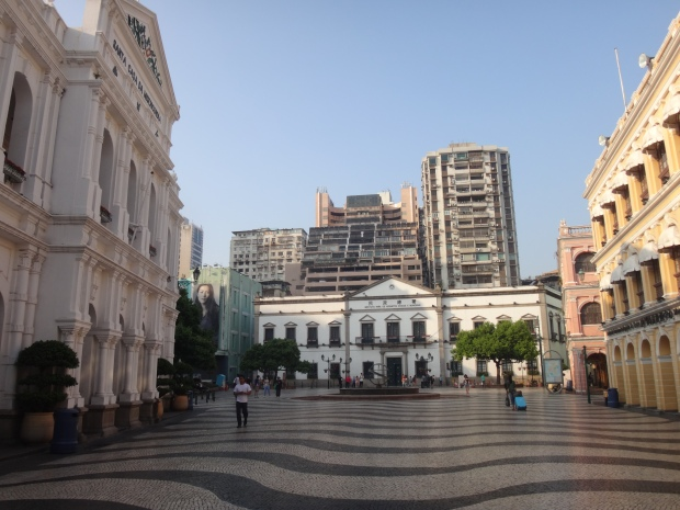 Senado Square. Just 5 minutes from Villa Universal.
