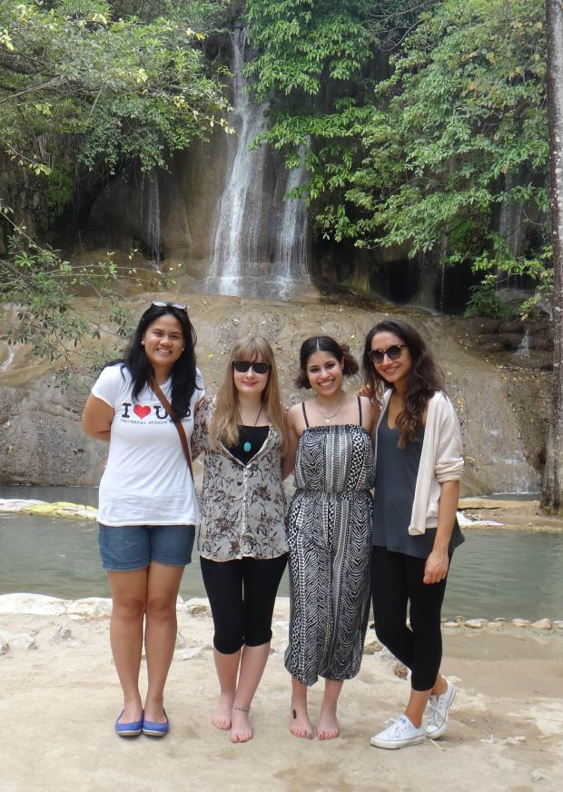 With Shannon, Amira and Shrena! New friends from the UK! :)