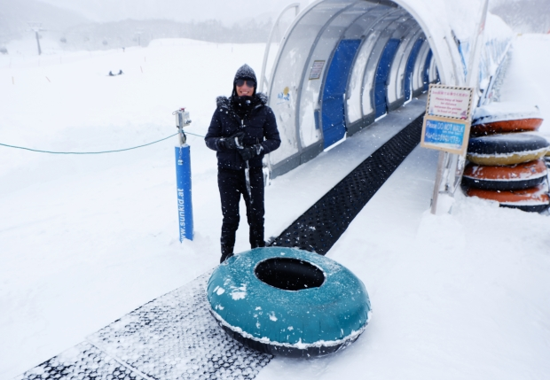 Stunning Hokkaido Best of Winter Niseko Sapporo Sounkyo Biei Lake Shikotsu (3)