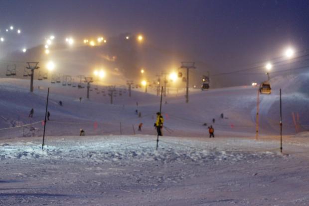 Stunning Hokkaido Best of Winter Niseko Sapporo Sounkyo Biei Lake Shikotsu (8)